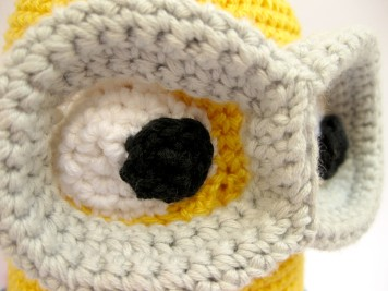 Ojos tejidos minion